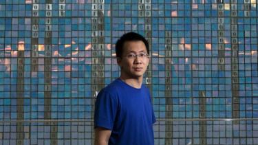 https://thumb.viva.co.id/media/frontend/thumbs3/2020/10/05/5f7adfef38c7e-kisah-orang-terkaya-zhang-yiming-miliarder-china-pendiri-tiktok_375_211.jpg