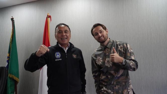 Ketua Umum PSSI, Mochamad Iriawan dan Marc Klok