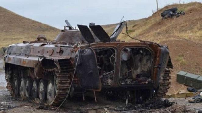 VIVA Militer: Kendaraan lapis baja militer Azerbaijan hancur