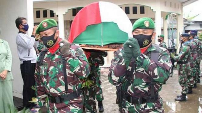 VIVA Militer: Jenazah Serma TNI Darmanto.