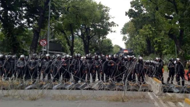 Polisi amankan demo omnibus law di Jakarta