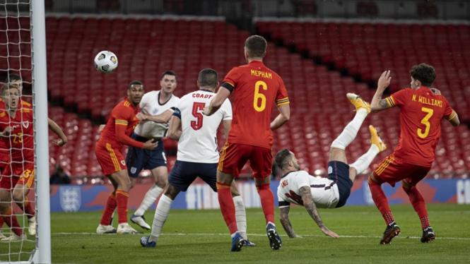 Gol Akrobatik di Laga Inggris Vs Wales, Ings: Seperti ...