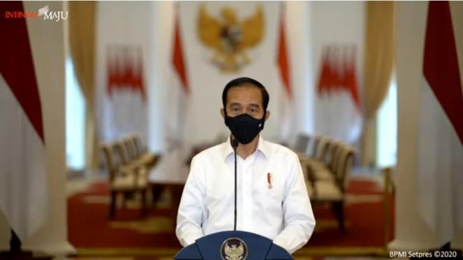 Presiden Jokowi memberikan keterangan terkait Undang-Undang Cipta Kerja