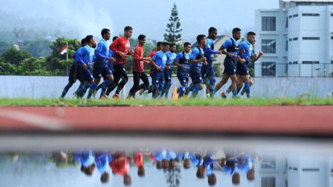 Latihan Persib Bandung di Stadion Arcamanik