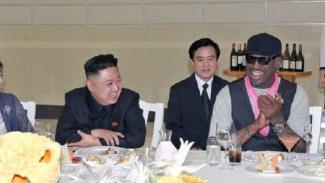 Dennis Rodman Minum Bir dengan Trump dan Ikut Pesta Liar Kim Jong-un