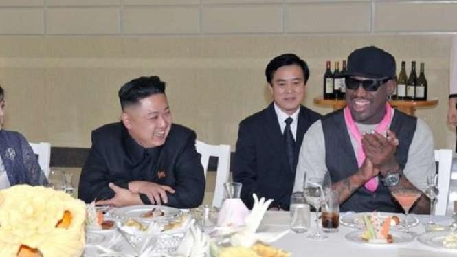 Dennis Rodman saat bertemu dengan Kim Jong-un