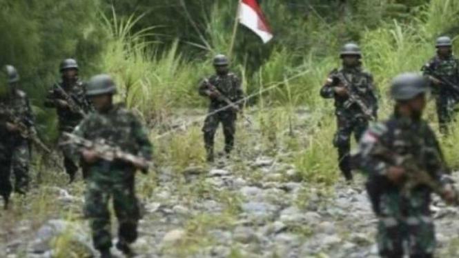 VIVA Militer: Prajurit TNI lakukan penyisiran di Papua.