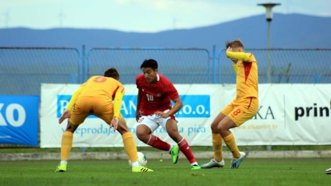 Jack Brown membela Timnas Indonesia U-19 melawan Makedonia Utara