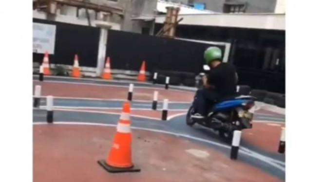 Ujian praktik SIM Sepeda Motor