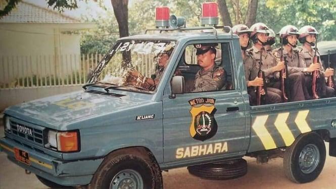 Mobil polisi zaman dulu