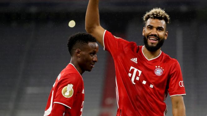 Bomber anyar Bayern Munich, Eric Maxim Choupo-Moting (kanan)