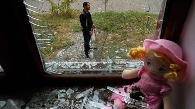 VIVA Militer: Rumah warga sipil Azerbaijan hancur diserang pasukan Armenia