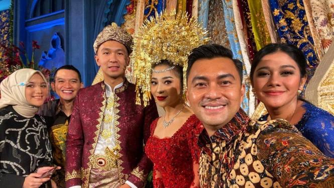 Deretan Artis Hadiri Acara Pernikahan Nikita Willy-Indra Priawan