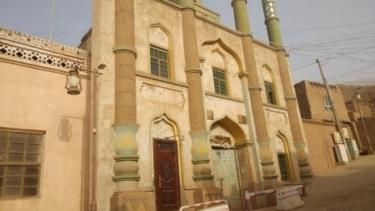 https://thumb.viva.co.id/media/frontend/thumbs3/2020/10/17/5f8a2e47887f1-masjid-masjid-di-uighur-diubah-jadi-kafe-dan-tempat-wisata_375_211.jpg
