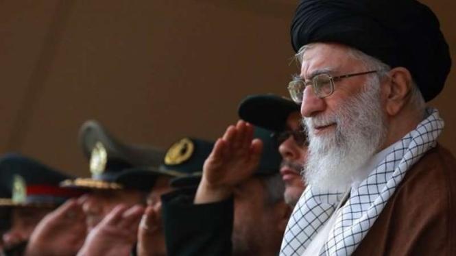 VIVA Militer: Pemimpin revolusi Iran, Ayatollah Ali Khamenei