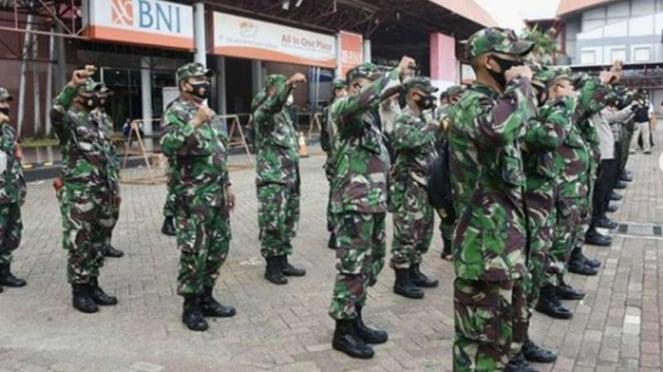 VIVA Militer : Prajurit TNI AD dari satuan Kodim 0501/Jakarta Pusat