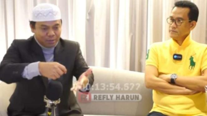 Gus Nur dalam wawancara dengan Refli Harun.