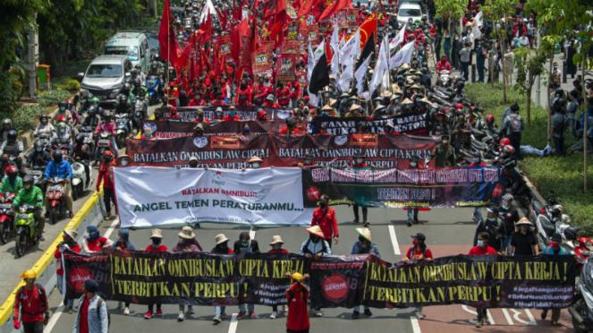 Demo buruh dan mahasiswa kembali tolak UU Cipta Kerja