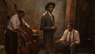 Chadwick Boseman di film Ma Rainey's Black Bottom.
