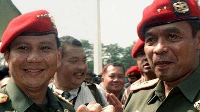 VIVA Militer: Letjen Prabowo Subianto dan Mayjen Muchdi Purwopranjono
