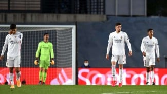 Pemain Real Madrid tertunduk lesu saat dikalahkan Shakhtar Donetsk