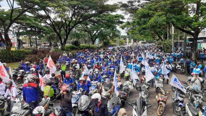 Tolak Omnibus Law, 5.000 buruh Tangerang Raya bergerak ke Jakarta