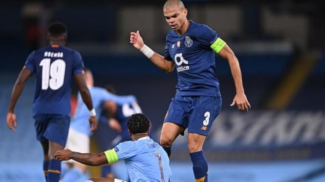 Kapten FC Porto, Pepe, amuk Raheem Sterling