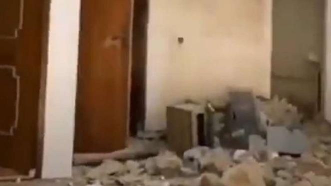 VIVA Militer: Rumah warga sipil Iran di perbatasan Azerbaijan rusak parah
