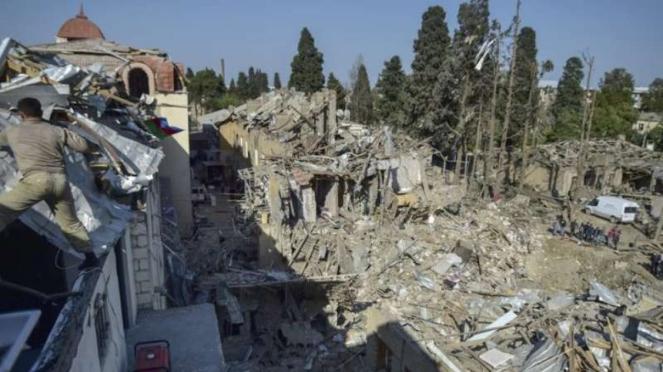VIVA Militer: Pemukiman sipil di Azerbaijan hancur dihantam roket Armenia