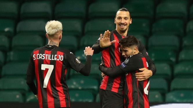 Pemain AC Milan merayakan gol ke gawang Glasgow Celtic