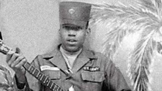 VIVA Militer: Jimi Hendrix saat bergabung bersama Angkatan Darat AS (US Army)