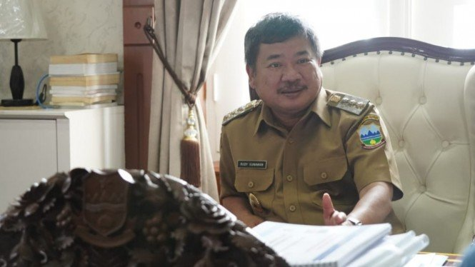 Bupati Garut, Rudy Gunawan.