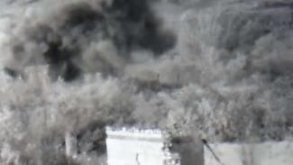 VIVA Militer: Serangan artileri pasukan Armenia ke basis tentara Azerbaijan