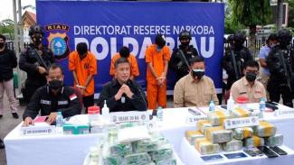 Oknum Polisi di Riau Terlibat Narkoba, Penangkapan Bak Film Action