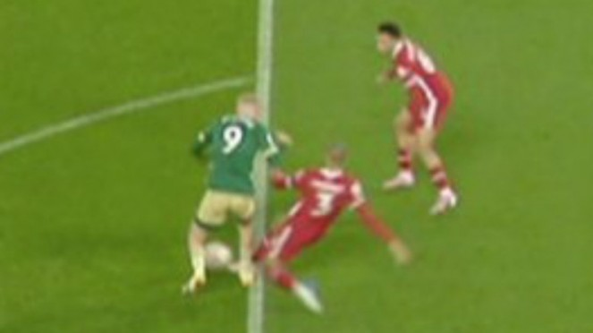 Pelanggaran pemain Liverpool, Fabinho, ke Oliver McBurnie