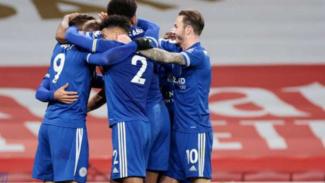 Pemain Leicester City rayakan gol Jamie Vardy