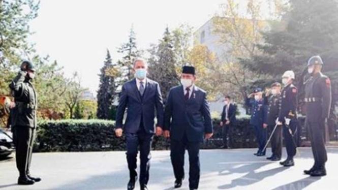 VIVA Militer : Menhan Prabowo Subianto disambut Upacara Militer di Turki