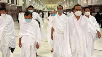 Mantan Wakil Presiden Jusuf Kalla saat melaksanakan umrah di Tanah Suci