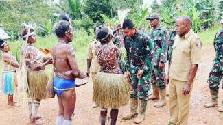 VIVA Militer: Warga serahkan 2 hektare tanah ke prajurit Yonif Mekanis 516/CY.