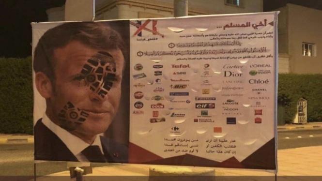 Poster boikot sejumlah produk Prancis imbas pernyataan Presiden Macron soal Nabi