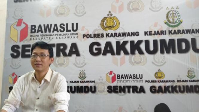 Anggota Bawaslu Kabupaten Karawang Roni Rubiat Machri (ant)