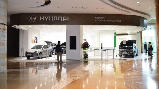 Showroom baru Hyundai di salah satu mall di Kuningan, Jakarta.