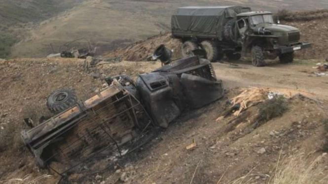 VIVA Militer: Kendaraan militer Armenia hancur diserang pasukan Azerbaijan