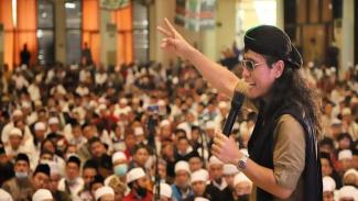 Dukung Machfud Arifin, Gus Miftah Persembahkan Sajak Cinta