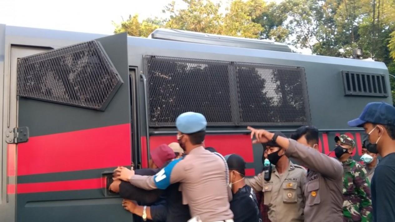 Sejumlah pendemo Omnibus Law diamankan polisi di Pontianak