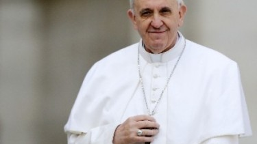 https://thumb.viva.co.id/media/frontend/thumbs3/2020/10/30/5f9c44b47f8ad-paus-dan-katolik-prancis-serukan-perdamaian-dengan-muslim_375_211.jpg