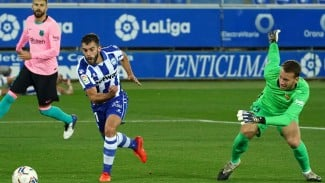 Kiper Barcelona, Norberto Murara Neto melakukan blunder memalukan