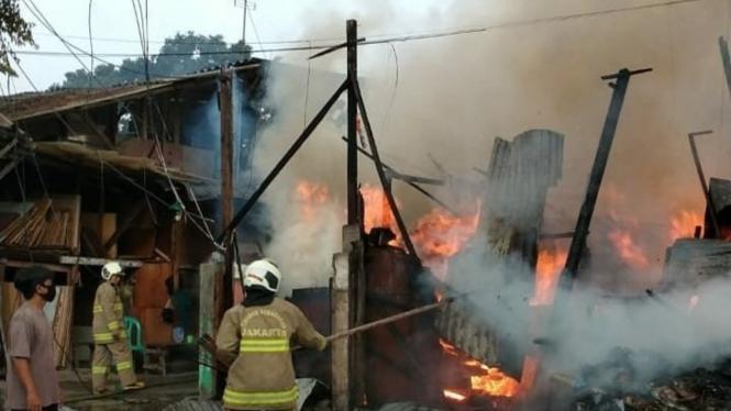 Kebakaran di Kemayoran Jakarta Pusat pada Minggu siang, 1 November 2020