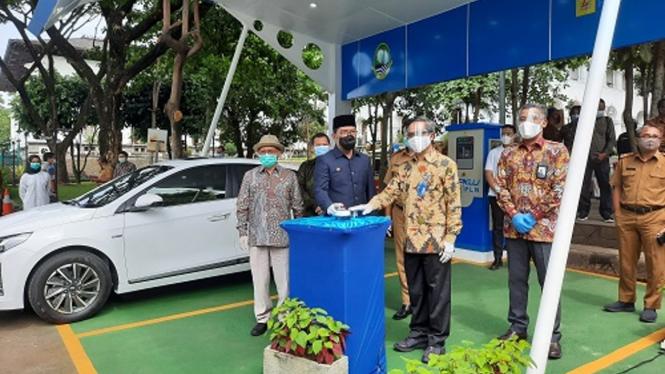 Gubernur Jabar, Ridwan Kamil saat memperingati Hari Listrik Nasional