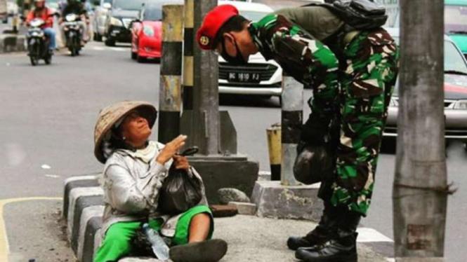 VIVA Militer: Aksi mulia Kopassus TNI.